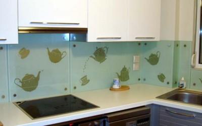 Διακοσμητικά σχέδια Ενσωματωμένα στην πλάτη της κουζίνας