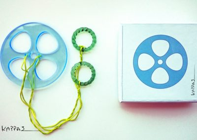 spinning-toy-blue-+-box